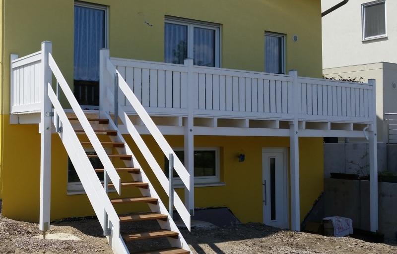 anbaubalkone mit treppe balkonbau abdichtung wei fietze. Black Bedroom Furniture Sets. Home Design Ideas
