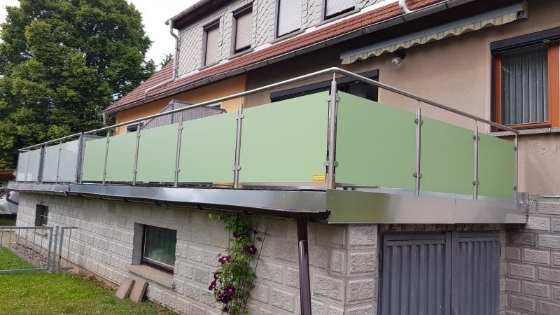 22 Edelstahl-Trespa Geländer