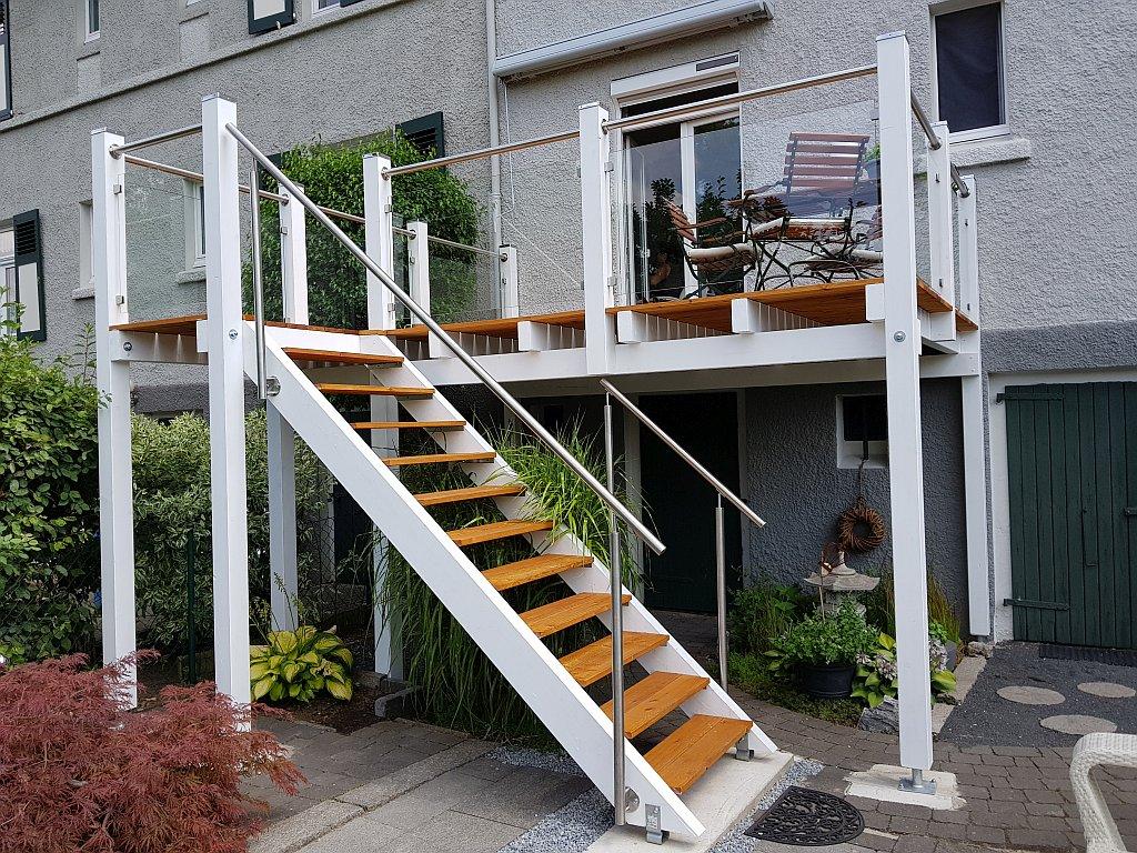 anbaubalkone mit treppe balkonbau abdichtung sanierung gel nder. Black Bedroom Furniture Sets. Home Design Ideas