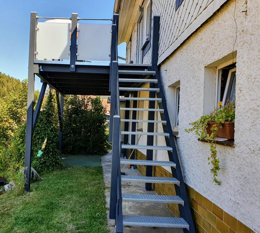 Anbaubalkone Mit Treppe Balkonbau Abdichtung Sanierung Gelander